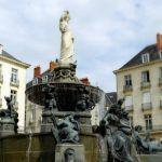 Nantes, máquinas fantásticas, eclair au chocolat y una historia infame
