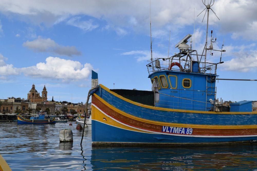 El sur de la isla de Malta: Marsaxlokk y su animado puerto, cuevas, piscinas naturales y templos megalíticos.