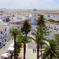 Conil de la frontera, una perla blanca y azul en la costa de Cádiz