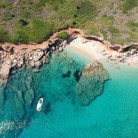Descubre las mejores playas de Baleares en barco de alquiler