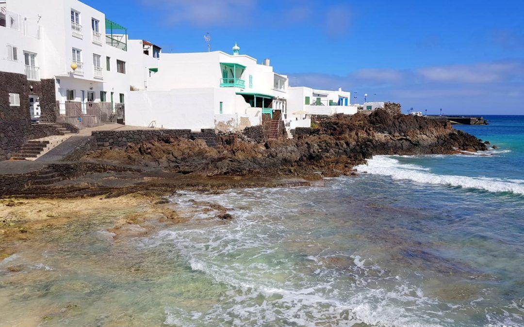 Los pueblos con más encanto de Lanzarote que descubrí en mi ruta en coche eléctrico.