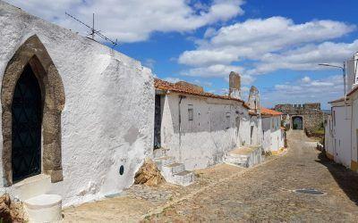 Qué ver cerca de Évora: ruta en coche eléctrico por el Alentejo